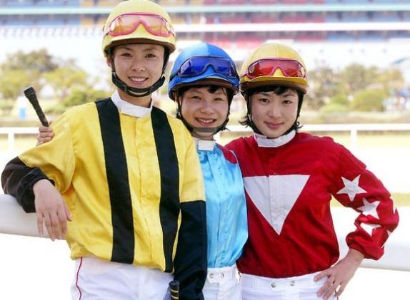 From left: Lee Ae Li, Lee Keum Ju and Lee Shin Young in the early 2000s (KRA)
