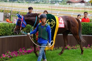 Rock Band in the Owners' Cup winner's circle (Pic: Hiromi Kobayashi)